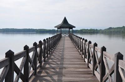 Wisata Probolinggo Nining Kristiningsih Pantai Bentar Jawa Timur Kolam Renang