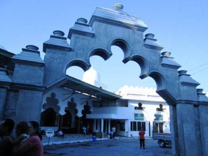 Masjid Rahmat Jujugan Jemaah Gemar Tarawih Keliling Bangsa Online Tiban