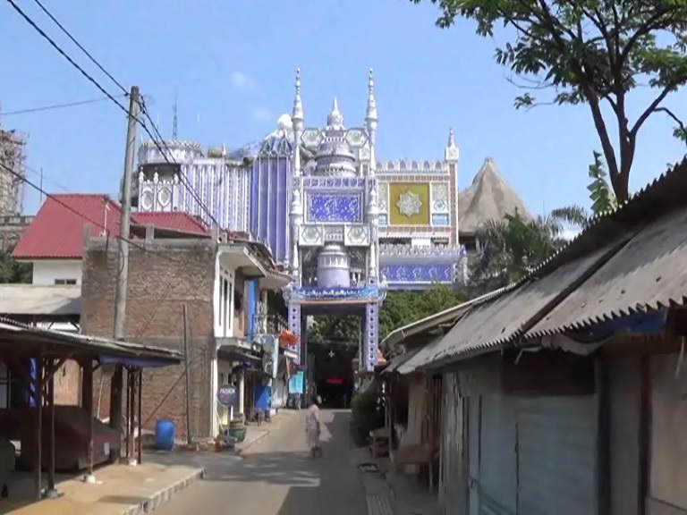 Masjid Tiban Babussalam Probolinggo Berdiri Sejak 1600 Megahnya Ponpes Bihaaru