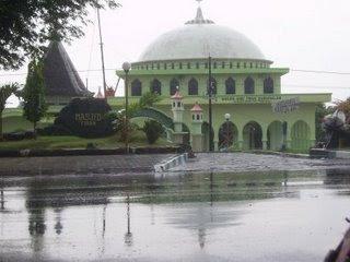 Masjid Tiban Probolinggo Petilasan Syech Mulana Ishak Kraksaan Inilah Babussalam