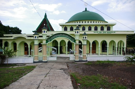 Singgah Masjid Jamik Tiban Babussalam Probolinggo Peninggalan Syekh Maulana Ishaq
