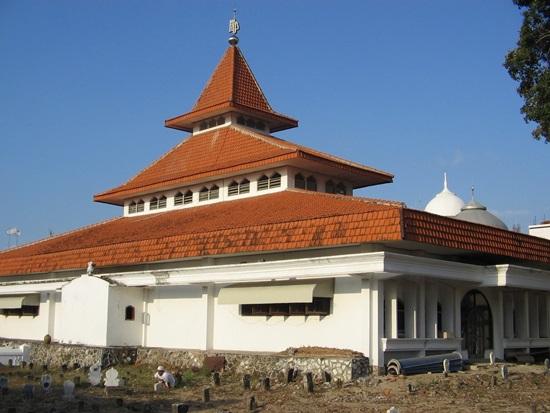 Singgah Masjid Tiban Pangkah Gresik Jami Ainul Yaqin Ujung Kabupaten