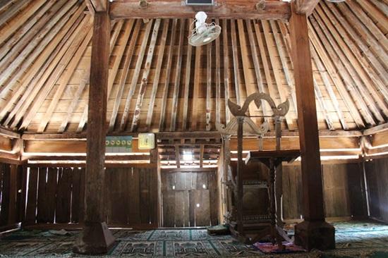 Singgah Masjid Tiban Wonokerso Wonogiri Interior Babbusalam Kab Probolinggo