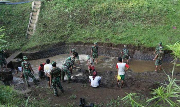 Pemkot Probolinggo Resmikan Patung Launching Replika Batik Kuno Sungai Kedunggaleng