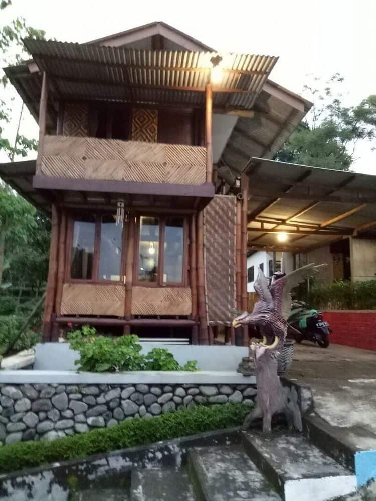 Book Guesthouse Kayuna Sukapura Hotels Musium Probolinggo Kab