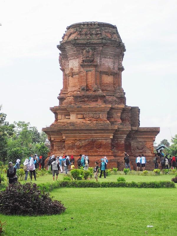 Cagar Budaya April 2014 Candi Jabung Peninggalan Kerajaan Majapahit Terletak