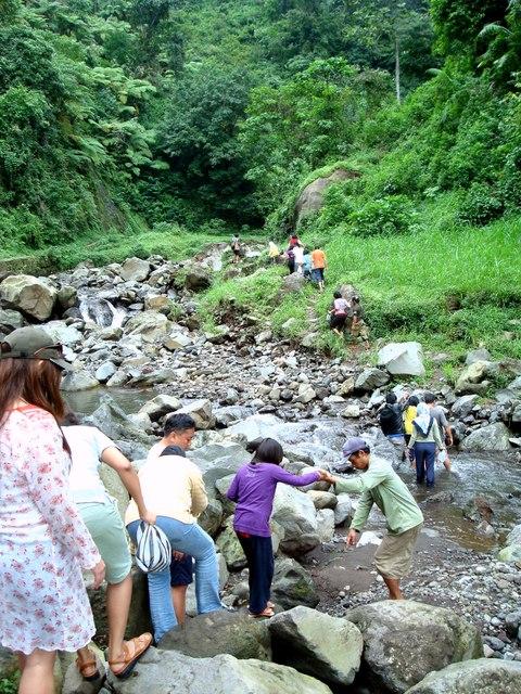 Air Terjun Madakaripura Surga Kecil Dekat Bromo Menyusuri Pinggiran Sungai
