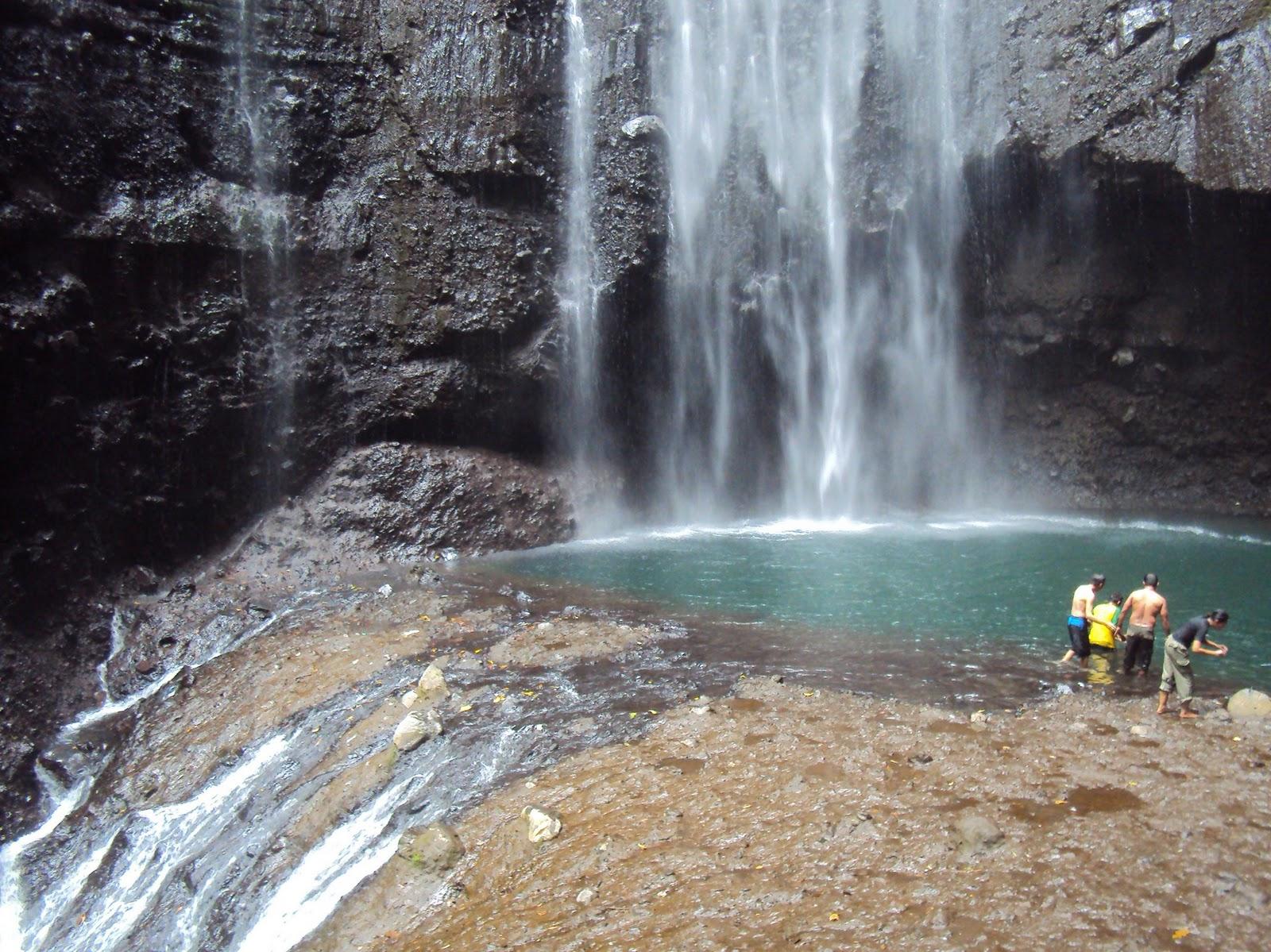 Iman Rabinata Air Terjun Madakaripura Waterfall Taman Hutan Kab Probolinggo