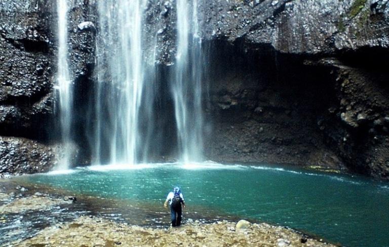 Pemandangan Air Terjun Madakaripura Jpg Tempat Wisata Sekitar Gunung Bromo