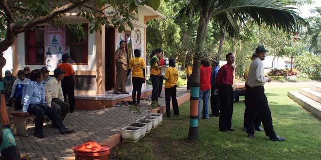 Bahkan Manula Pun Taman Weeklyline Net Jalan Soekarno Hatta Kota