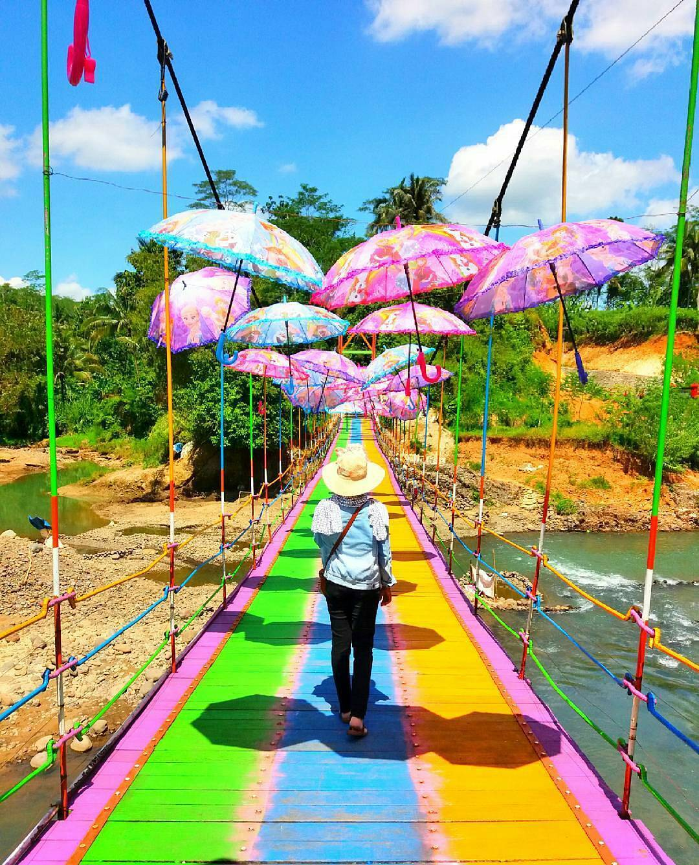 37 Wisata Purbalingga Bisa Banget Mempercantik Jembatan Pelangi Cinta Pring