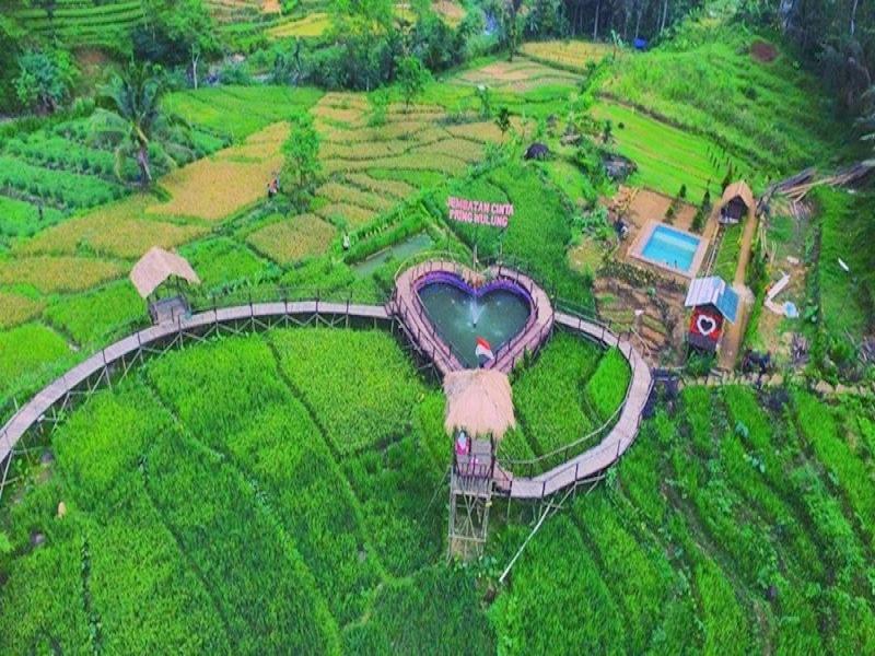 Atas Jembatan Cinta Bersama Tercinta Indonesia Pring Wulung Kab Purbalingga