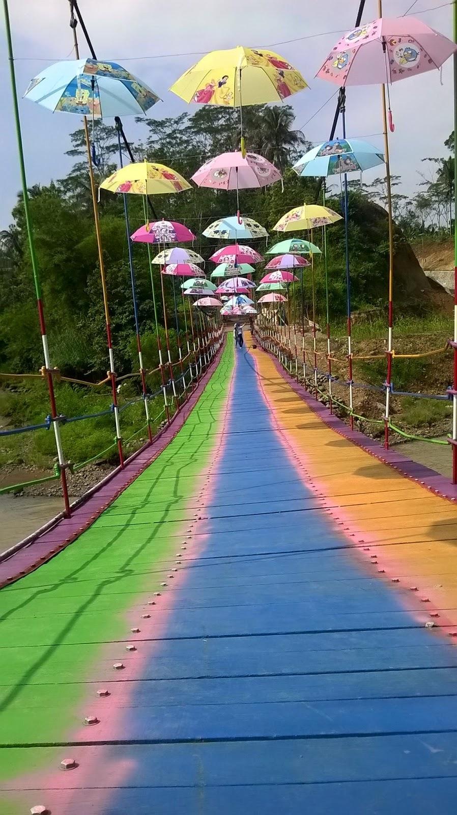 Pesona Wisata Alam Jembatan Pelangi Rembang Kab Purbalingga