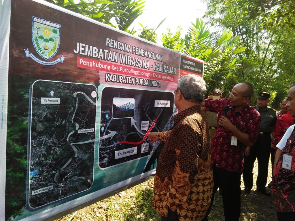 Plt Gubernur Jateng Tinjau Lokasi Pembangunan Jembatan Wirasana Purbalingga Pemerintah
