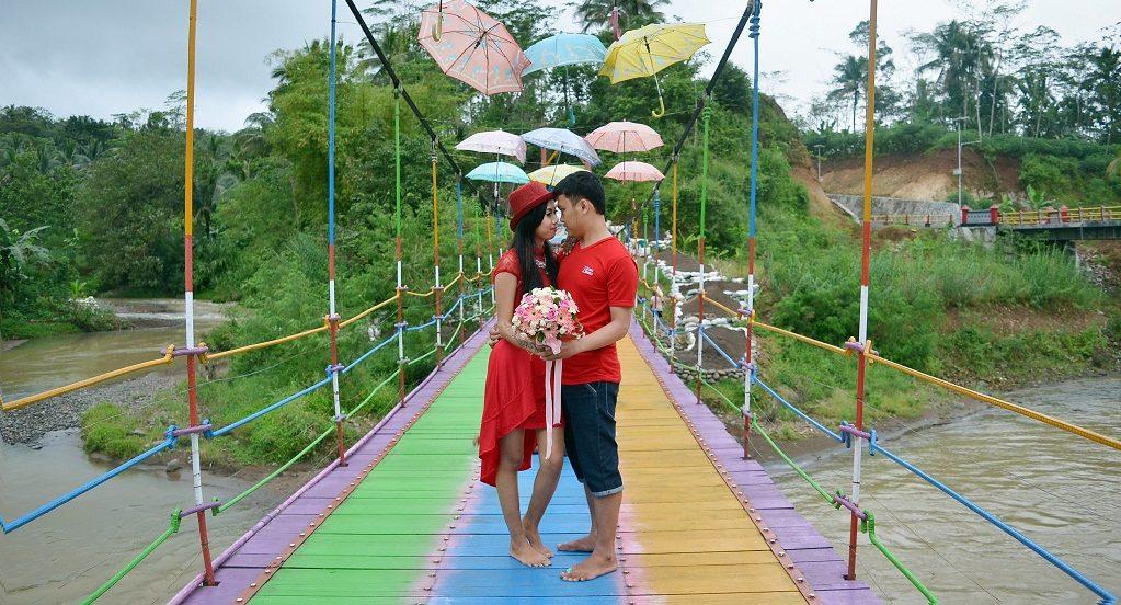 Tempat Wisata Jembatan Pelangi Purbalingga Jawa Tengah Kab