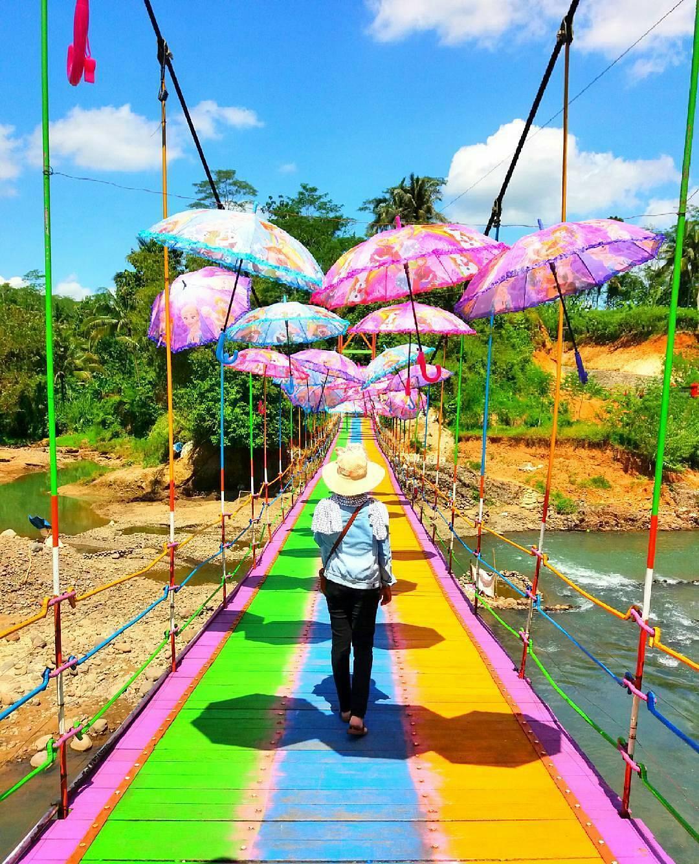 37 Wisata Purbalingga Bisa Banget Mempercantik 14 Jembatan Pelangi Puncak