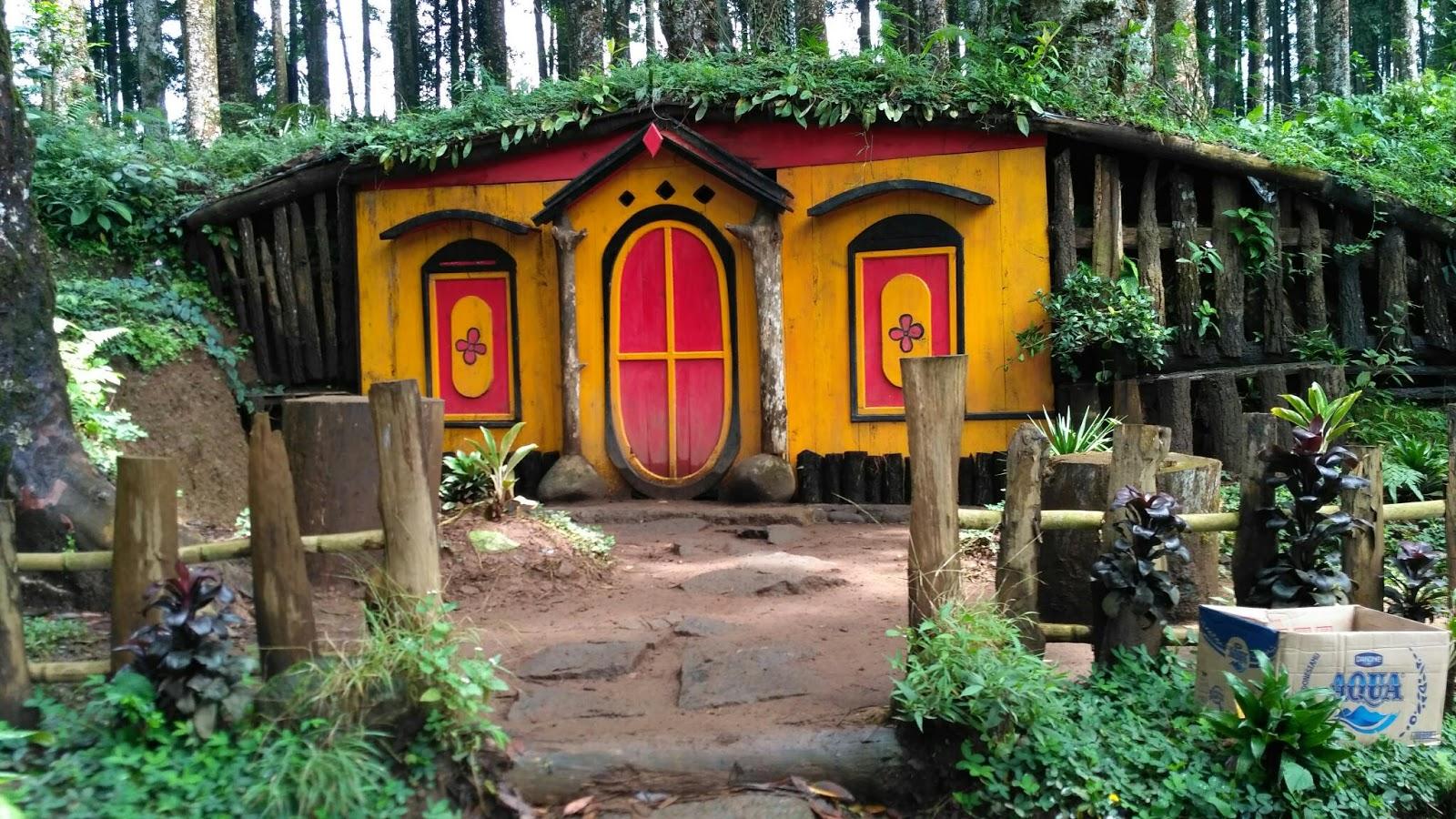 Kampung Kurcaci Ala Hobbit Purbalingga Ruman Pohon Kab