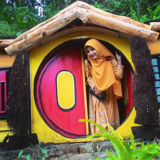Kampung Kurcaci Wisata Alam Edukatif Purbalingga Rumah Hobbit Ruman Pohon