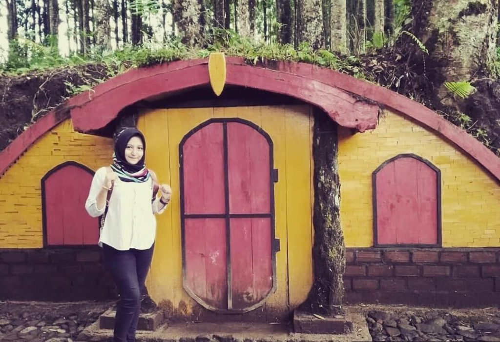 Lokasi Harga Tiket Masuk Kampung Kurcaci Purbalingga Rumah Hobbit Ruman