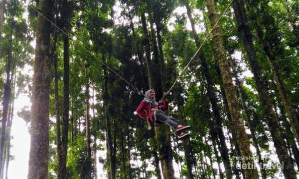 Memacu Adrenalin Kampung Kurcaci Purbalingga Persiapan Main Giant Swing Ruman