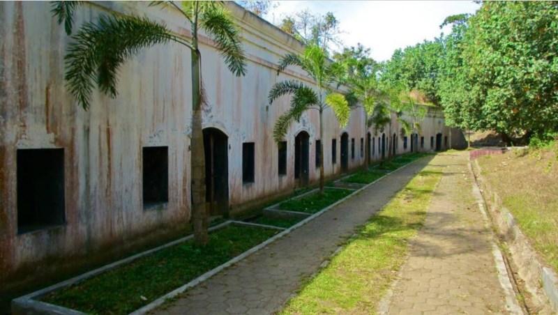Wisata Sejarah Benteng Pendem Cilacap Foto Jateng Kita Barak Dua