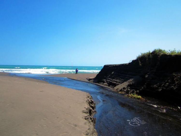 10 Keelokan Purworejo Layak Membuatnya Digelari Permata Nikmati Nuansa Pantai