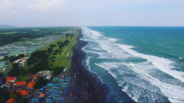 Menikmati Sisi Lain Pantai Jatimalang Jalan Makan Kab Purworejo
