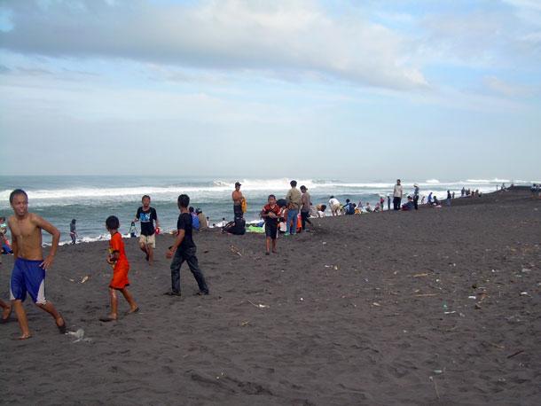Pesona Pesisir Pantai Jatimalang Akumassa Suasana Siang Hari Kab Purworejo