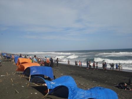 Rekreasi Liburan Keluargaku Wisata Pantai Jatimalang Wijaya Site Kab Purworejo