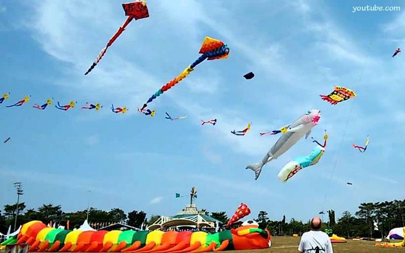 Yuk Saksikan Festival Layang Pantai Jatimalang Purworejo Sportourism Kab