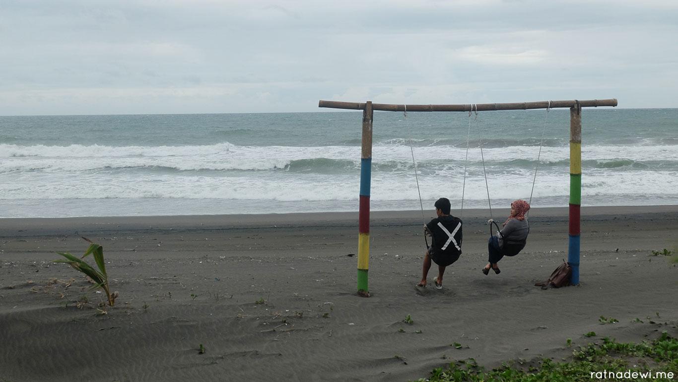 Pantai Jetis Penuh Cinta Spot Foto Kekinian Ketawang Kab Purworejo