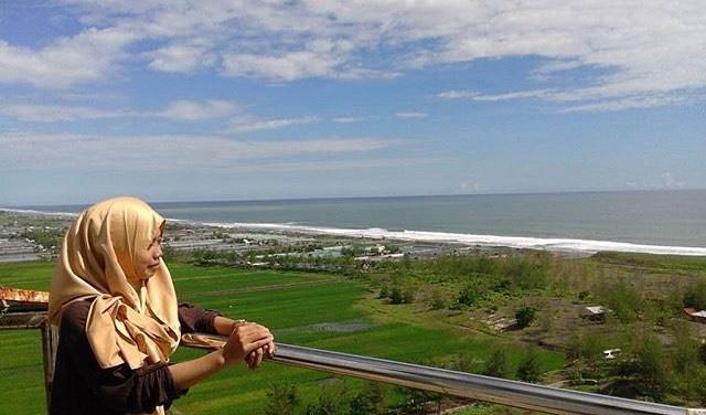 Traveling Purworejo Kunjungan Pantai Ketawang Jangan Sampai Dilihat Mercusuar Instagram
