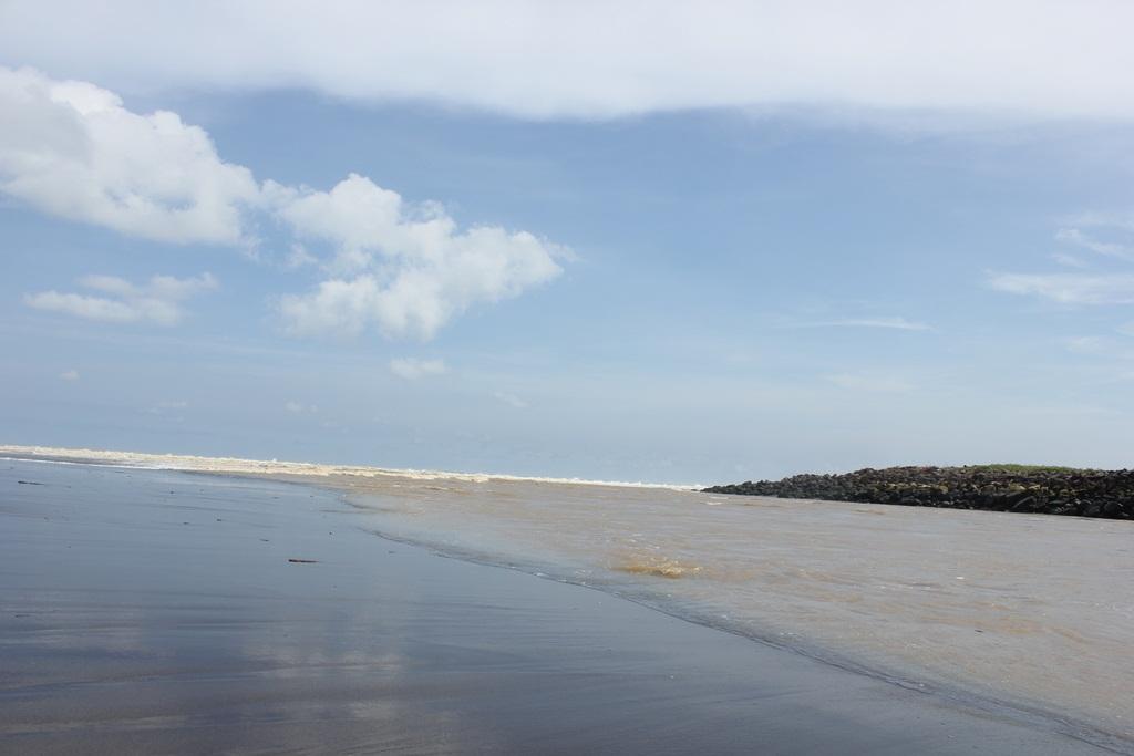 Obyek Wisata Pantai Keburuhan Purworejo Jawa Tengah Pasir Puncu Kab