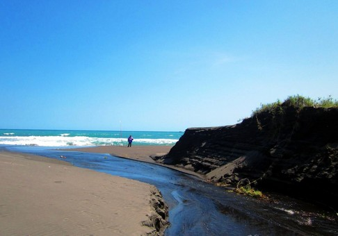 Pesona Keindahan Wisata Pantai Pasir Puncu Harjobinangun Purworejo Jawa Tengah