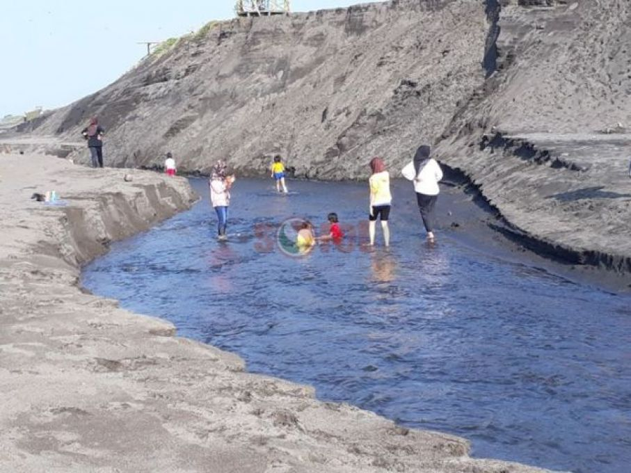 Sorotpurworejo Media Berita Online Purworejo Fenomena Sungai Dadakan Pantai Ketawang