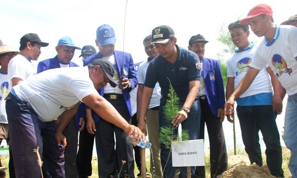 Hari Bumi Pasarbanggi Ditambahi Mangrove Berita Rembang Wakil Bupati Bayu