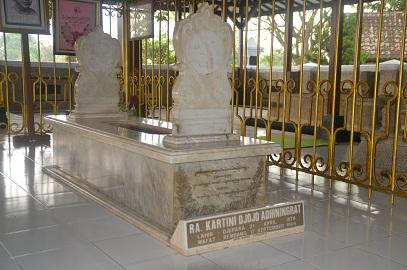 Jalan Ziarah Makam Ra Kartini Mantingan Rembang Gambar Bfoto Tempak