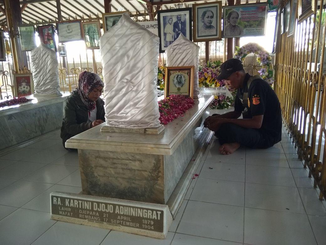 Makam Kartini Mulai Banjiri Pengunjung Media Buser Indonesia Raden Ajeng