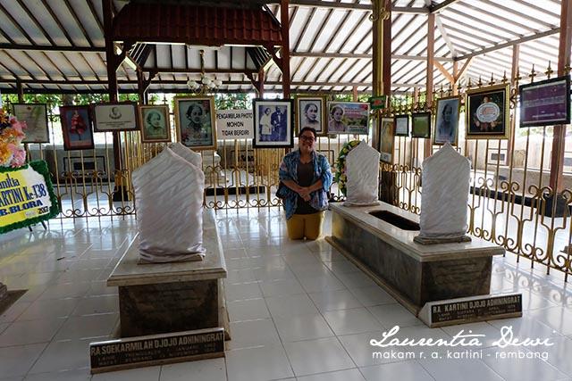 Makam Pahlawan Nasional Kartini Djojo Adhiningrat Rembang Benar Setelah Didekati