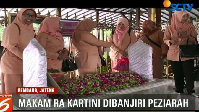 Ribuan Peziarah Padati Makam Ra Kartini Rembang Raden Ajeng Kab