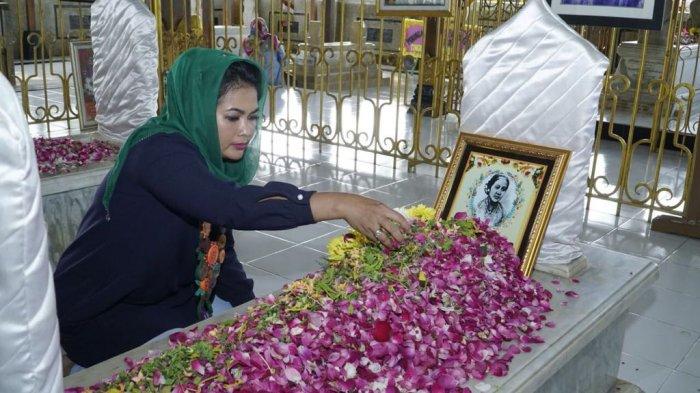 Ziarah Makam Kartini Rembang Puti Soekarno Beliau Inspirasi Bagi Perempuan