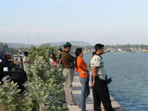 Mengenal Rembang Wisata Pantai Binangun Tepat Pinggir Jalur Pantura Membuat