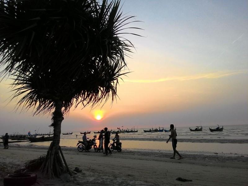 Pantai Nyamplung Indah Pedia Trip Binangun Kab Rembang