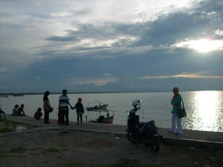 Suara Komunitas Rembang Suarakomunitas Net Suka Jalan Plesiran Selama Menjalankan