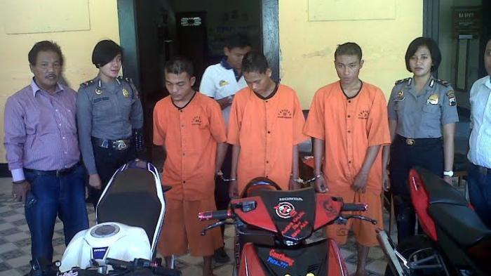 Lukman Dijebak Polisi Kencan Pantai Caruban Tribun Jateng Lasem Kab