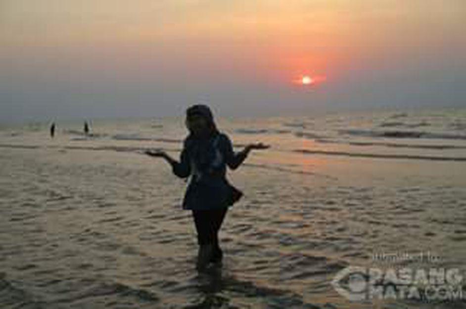 Menikmati Sunset Pantai Caruban Lasem Kab Rembang Wisata Pasangmata