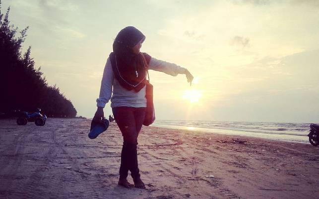Pantai Caruban Lasem Singgahi Kab Rembang