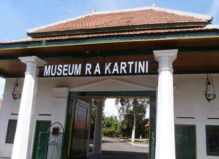 Tempat Wisata Rembang Purworejo Jateng Museum Kartini Pantai Caruban Lasem