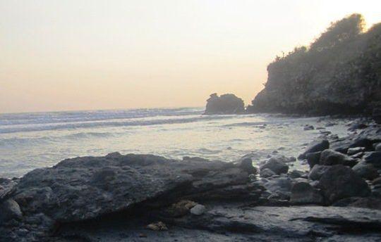 2 Lokasi Pantai Jatisari Sluke Rembang Banyuwangi Hits Menunggu Senja