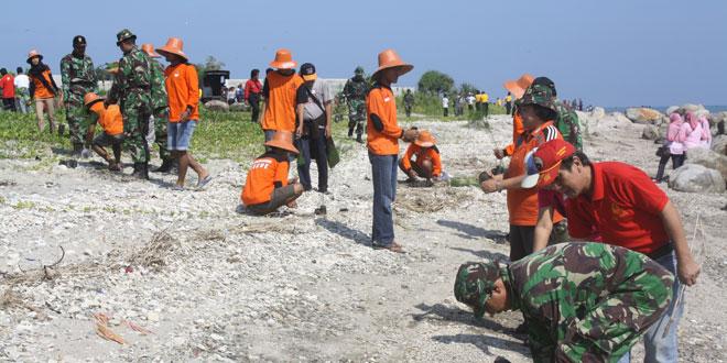Penanaman 2 000 Pohon Pantai Jatisari Binangun Kodam Kab Rembang